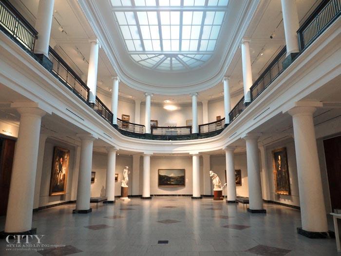 inside umma hall of paintings