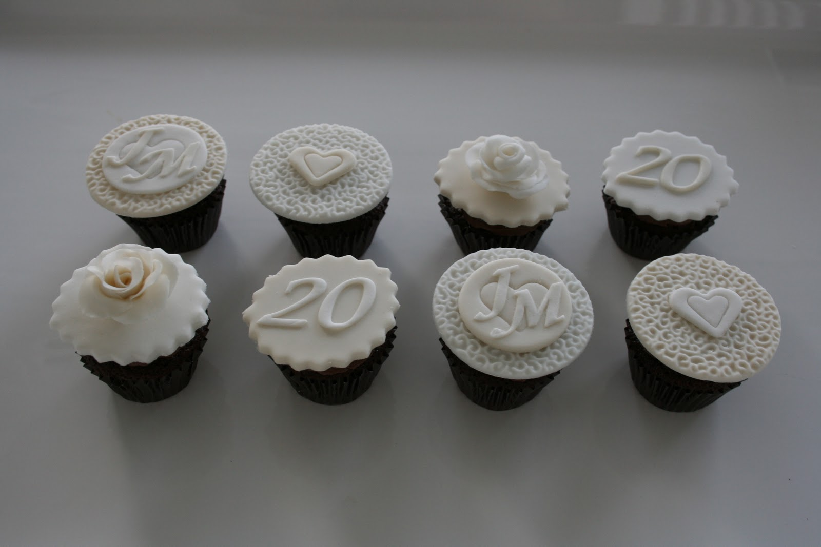 Baked by design th wedding anniversary cupcakes