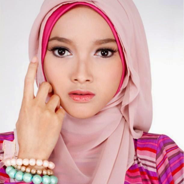 hijab-hijab-fashion-model-moslem-trian-wida-charisma.jpg