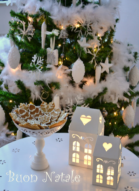 Buon Natale  http://shabbychiclife-silvia.blogspot.it
