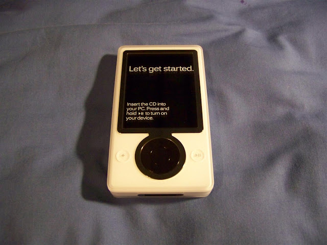 Live Search Club White Zune 30GB Academic Version