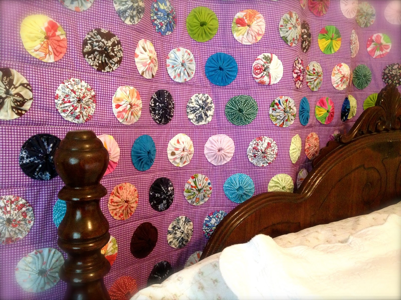 Creating a Beautiful Life: How to Decorate the Bedroom with Quilts
