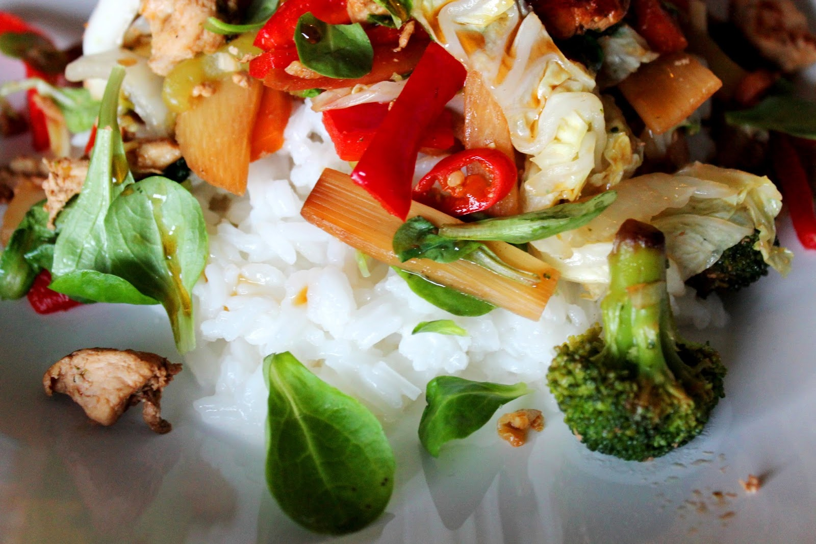 #vegetables #chicken #wok #asian #rice #chili #bamboo #broccoli #recipe #food #resepti #parsakaali #ruoka #dinner