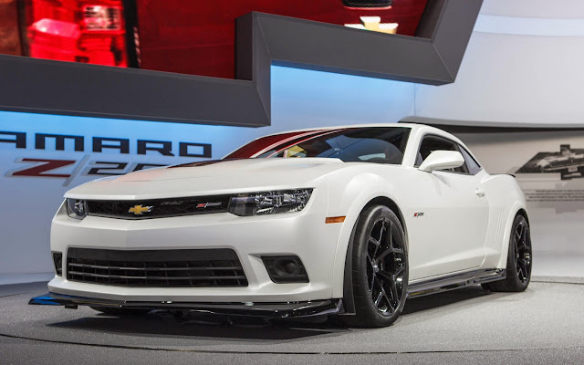 2014-Chevrolet-Camaro-Z28-mechbox