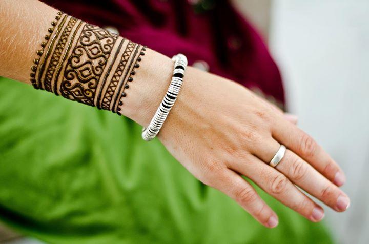 Wrist Mehndi Designs