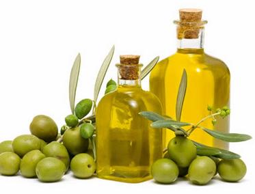 Buah dan minyak zaitun untuk menjaga kesehatan kulit