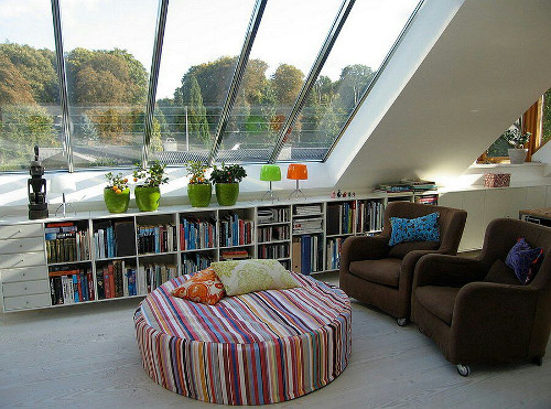 awesome living room with glass roof