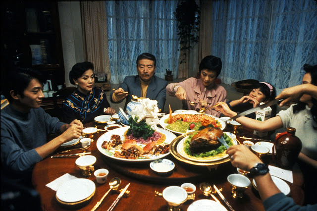 Yin shi nan nu (Comer Beber Homem Mulher, 1994)