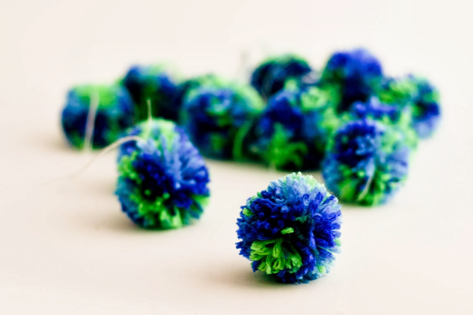 Your Fave Right Now: Making Pom Poms in Bulk