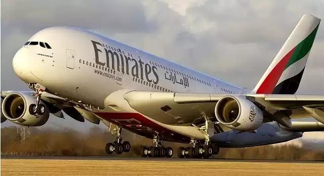 Αεροσυνοδός της Emirates «ανακυκλώνει» την σαμπάνια επιβάτη (vid)