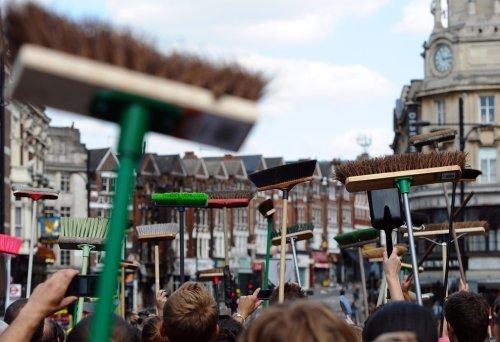 foto-kerusuhan-london-inggris-2011-23