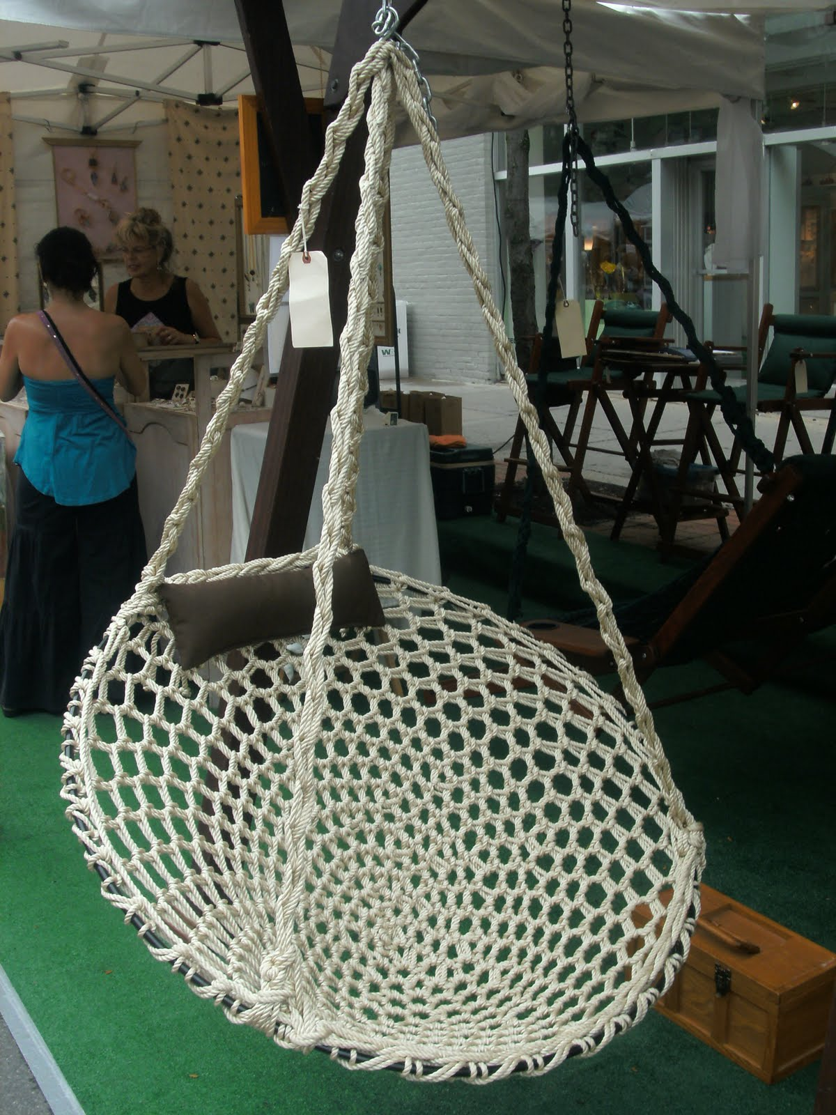 Hanging Papasan Chair - Viewing Gallery