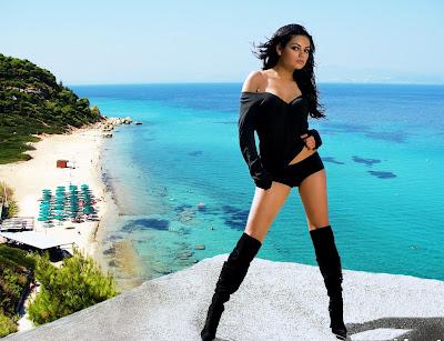 Mila Kunis HD Wallpaper bikini babes
