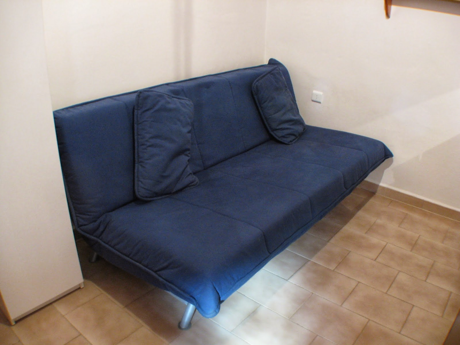 Digame for sale blue sofa bed for Blue couches for sale