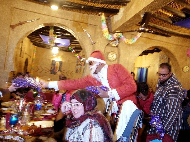 砂漠ホテルのパーティー、サンタクロース