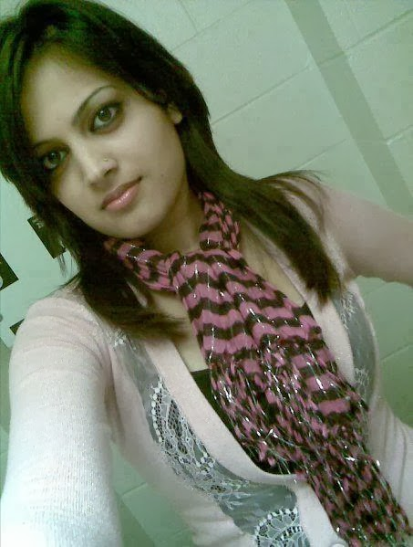 Desi+Indian+perfect+cute+girl+posing006