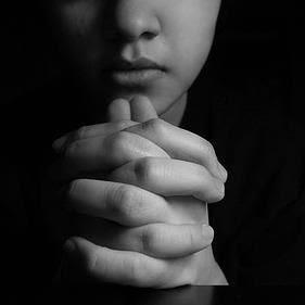 Lascia qui la tua preghiera pregheremo per te.Clicca sulla foto