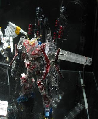 ガンプラEXPO2014:HGUCフルアーマーユニコーン レッドメッキフレーム/メカニカルクリアVer.(Full Armor Unicorn - Red Plated Frame / Mechanical Clear Ver.