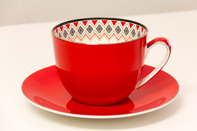 red T2 tea cup