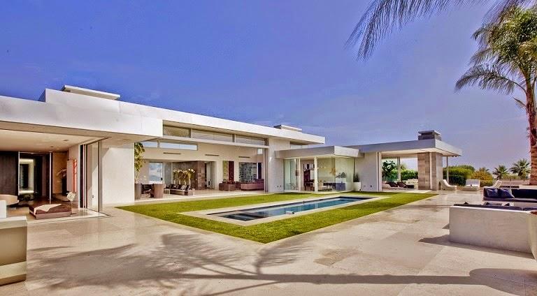 Casa minimalista beverly hills mcclean design for Casa minimalista harborview hills