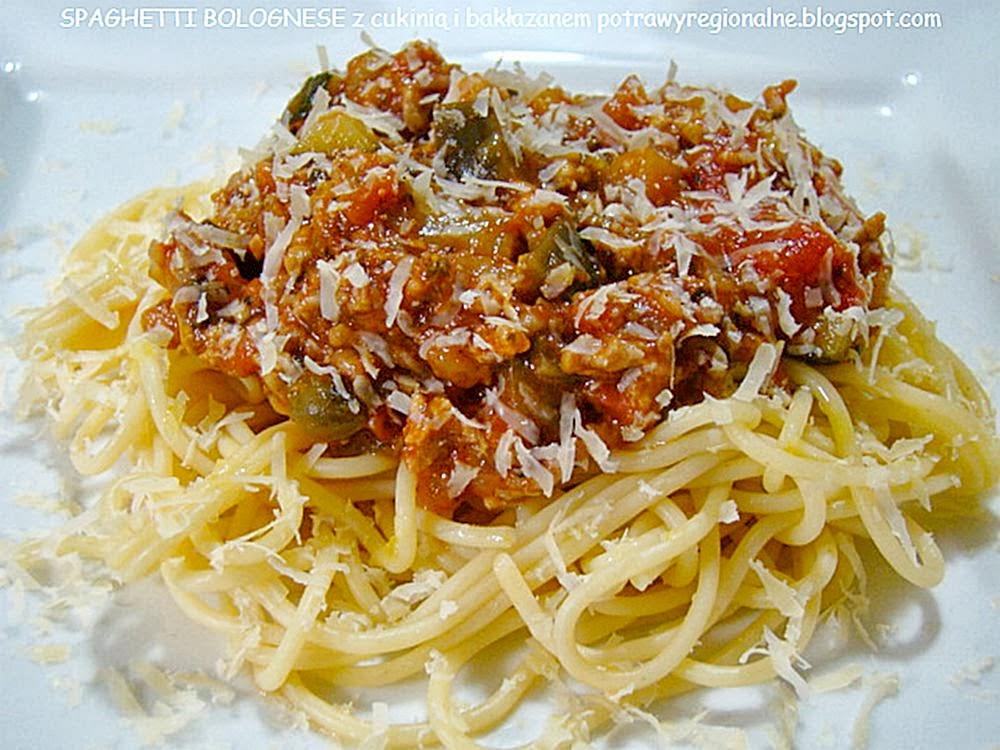 Spaghetti bolognese jest daniem kuchni włoskiej.