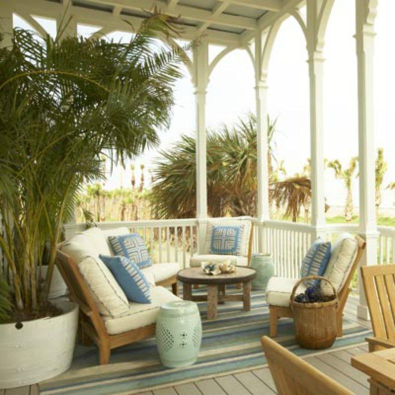 Asian inspired coastal outdoor living area