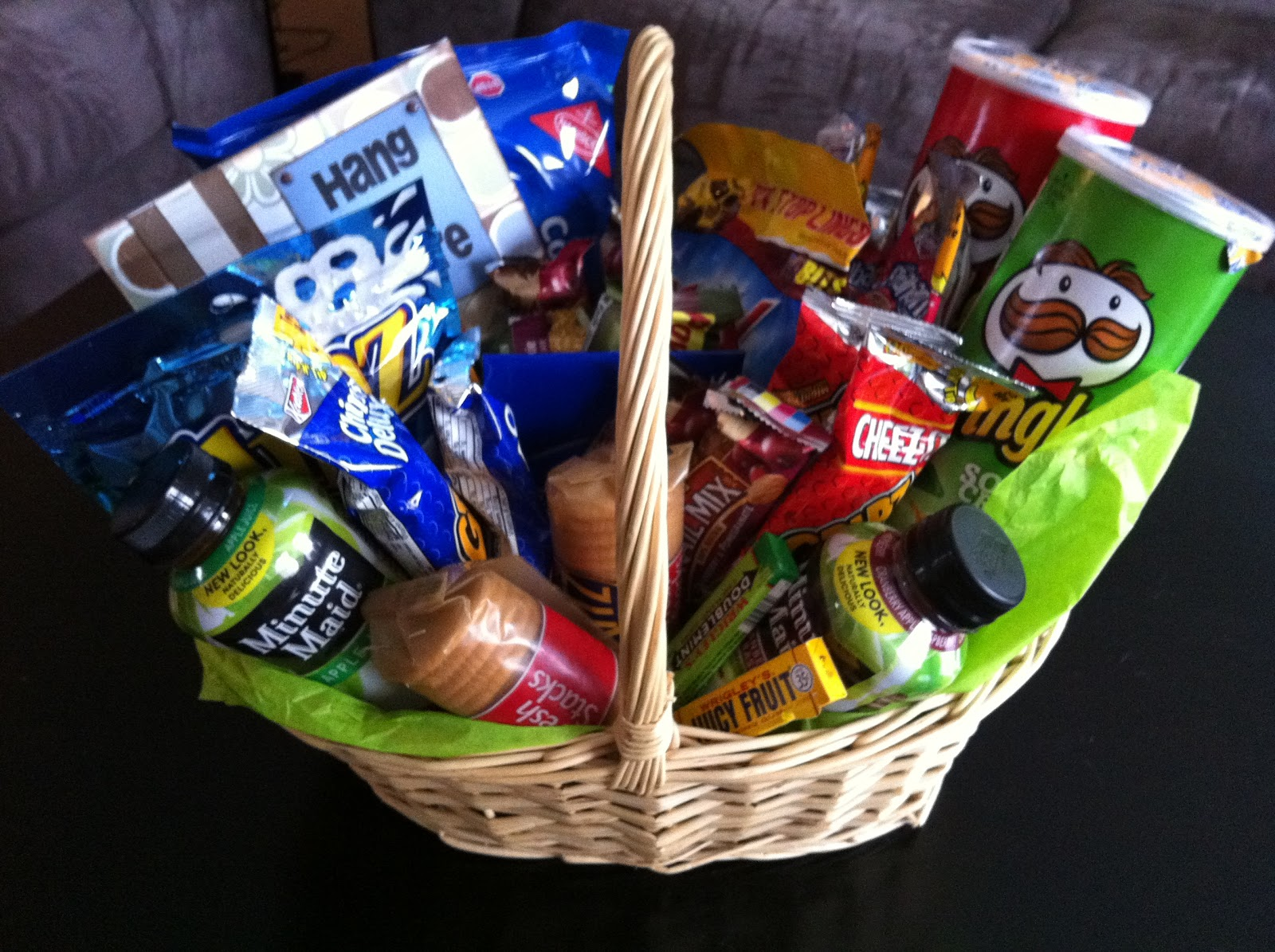 I put together a basket of snacks and a few drinks for this personu0027s hospital room. I know they are having a hard time with food and will likely not eat one ... & Utah County Mom: Hospital gift