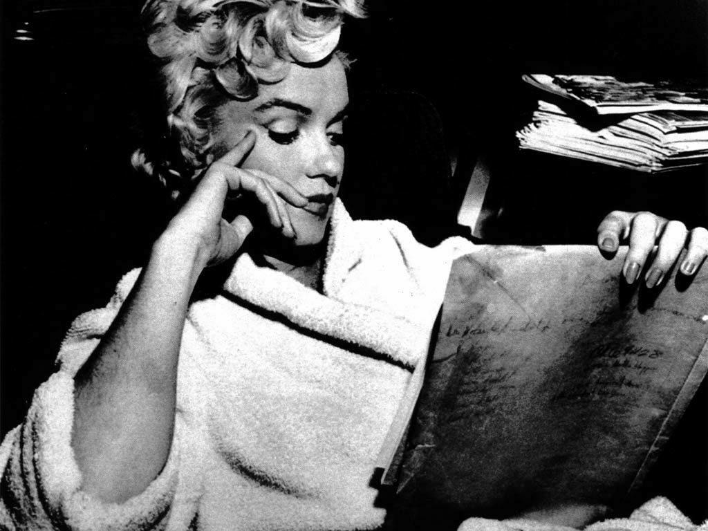 http://3.bp.blogspot.com/-tfq72VRW0VE/T7e5hyP1_VI/AAAAAAAABO4/TeaYhPzGXLs/s1600/02+Marilyn-Monroe.jpg
