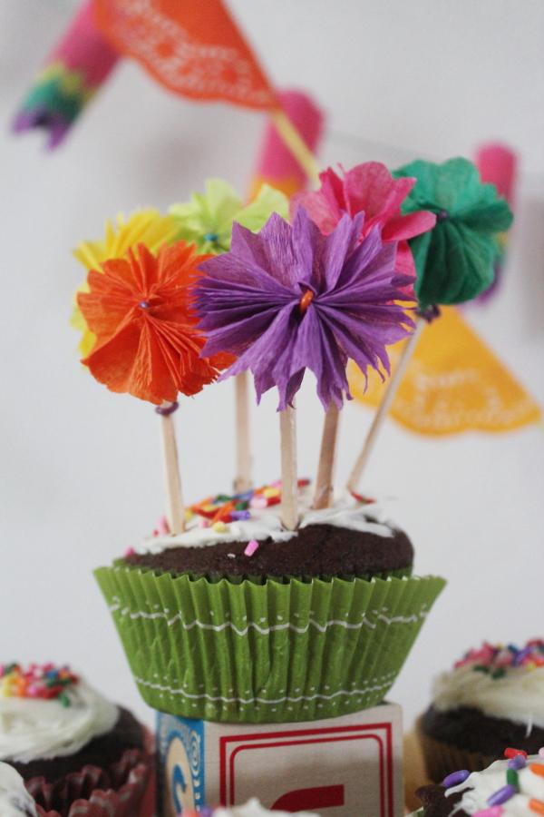 Scrumdillydilly scrumdilly diy crepe paper cupcake toppers scrumdilly diy crepe paper cupcake toppers mightylinksfo