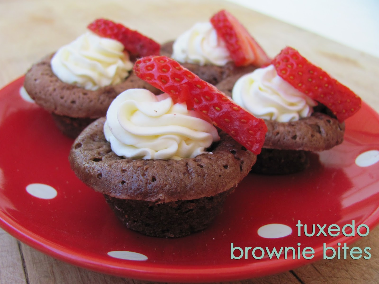 Tuxedo Brownie Bites