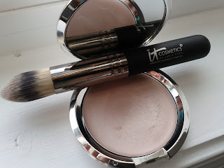 it cosmetics luminizer