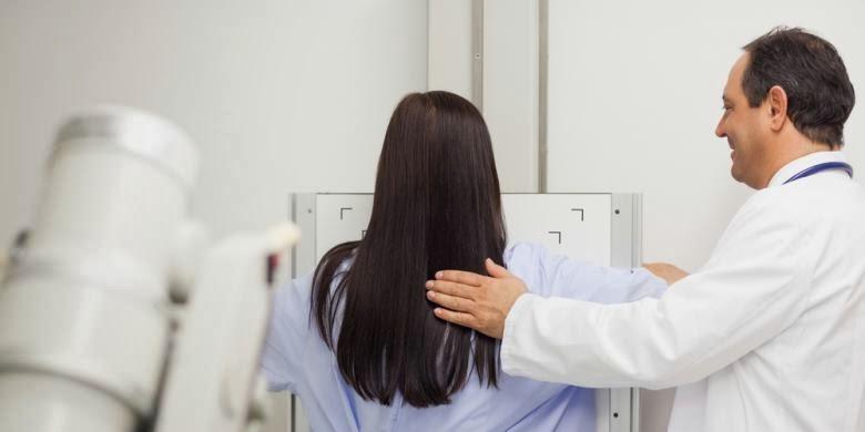 tips mengenal gejala awal dari kanker rahim, payudara