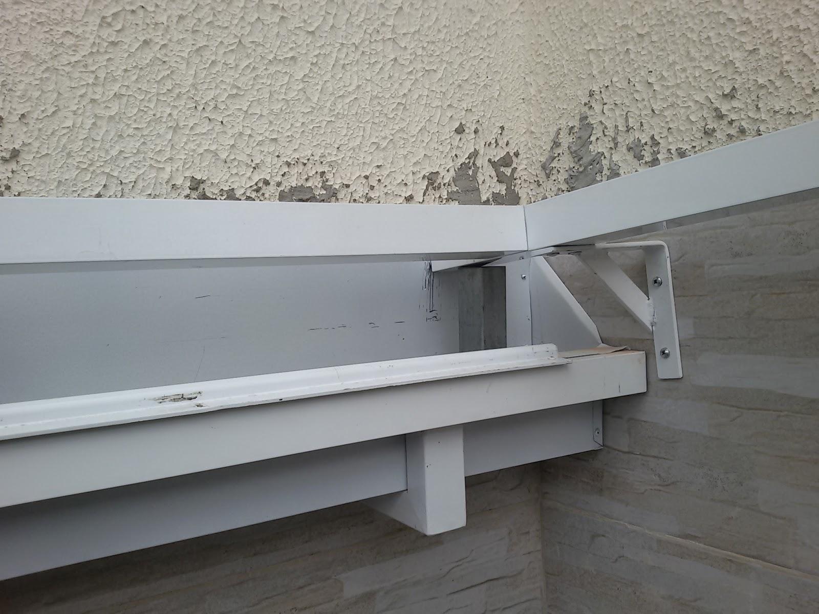 Cobertura retr til em policarbonato com as telhas click for Roldanas para toldos