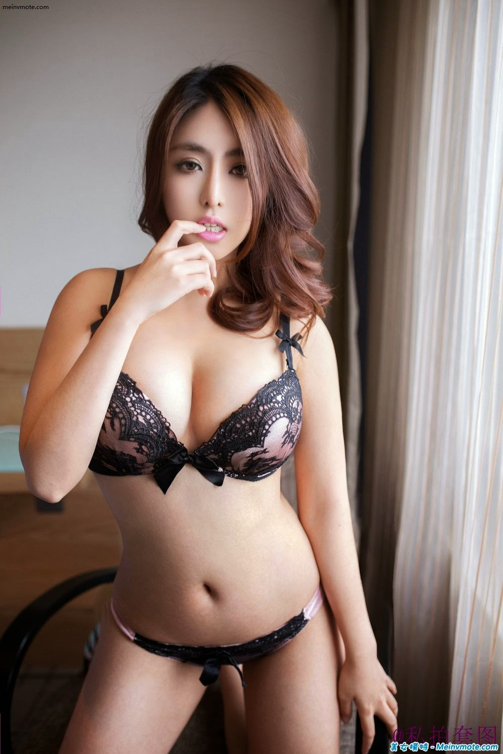Wang Zairui hot body burst milk Buttocks