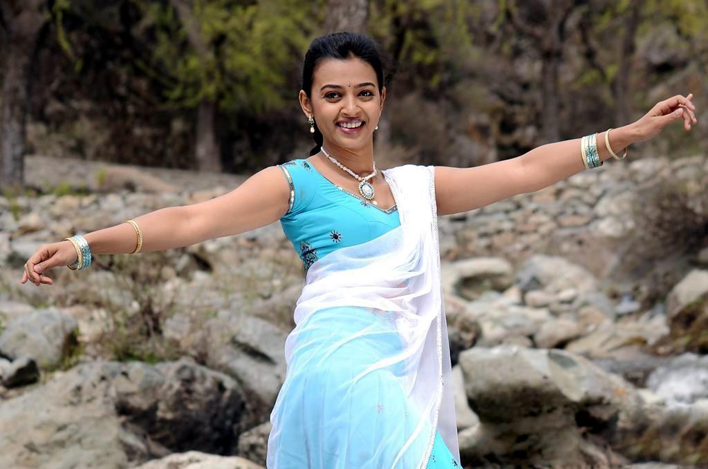radhika apte new image
