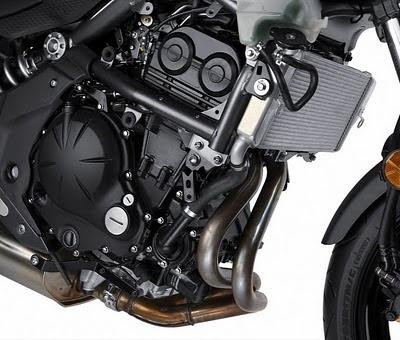 2011 Kawasaki Ninja 650R Engine.jpg