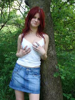 Hedvika si vyrazila do parku užít sex a při té příležitosti nafotila erotické fotky