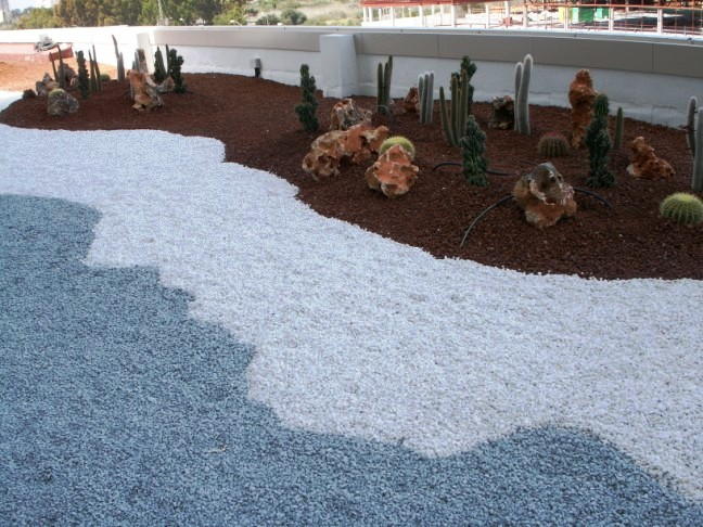 Arte y jardiner a superficies horizontales materiales for Piedra grava para jardin