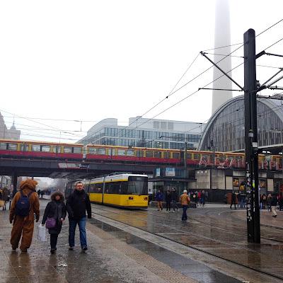 Jalan-Jalan di Berlin, Jerman-25 alexanderplatz s-bahn tram