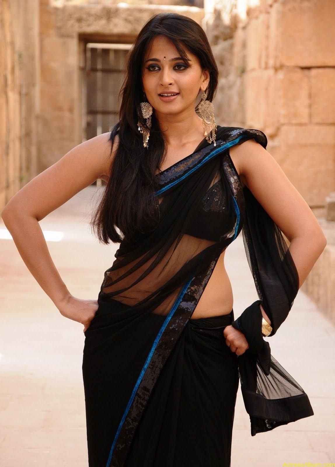 AtoZ hotphotos: Anushka Shetty hot stills in saree