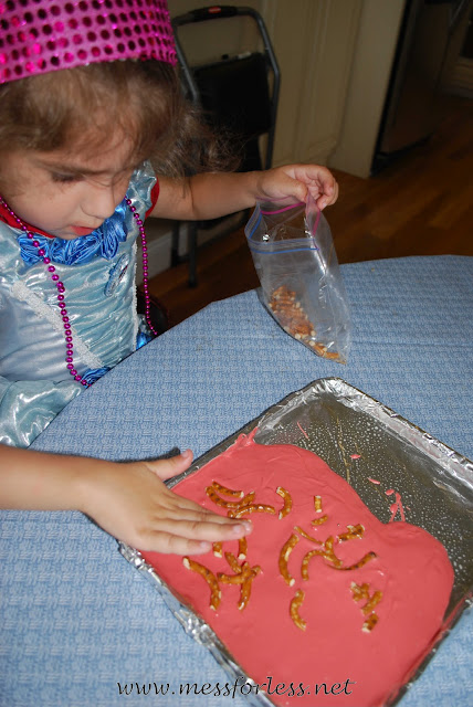 how to make pretzel bark