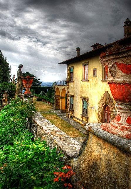 Fascino Toscano-Tuscan Charm