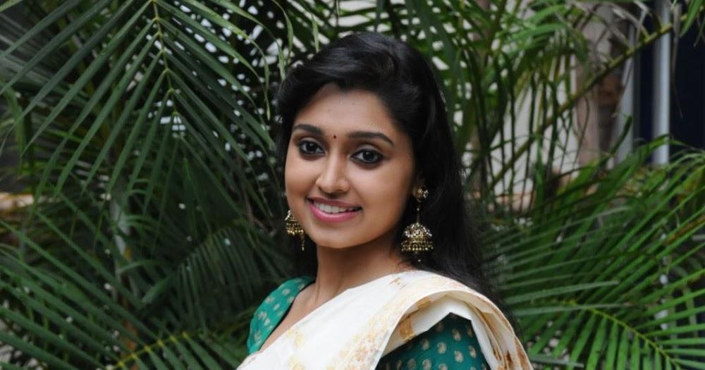 Sija Rose hot navel show in saree « Mallufun.com
