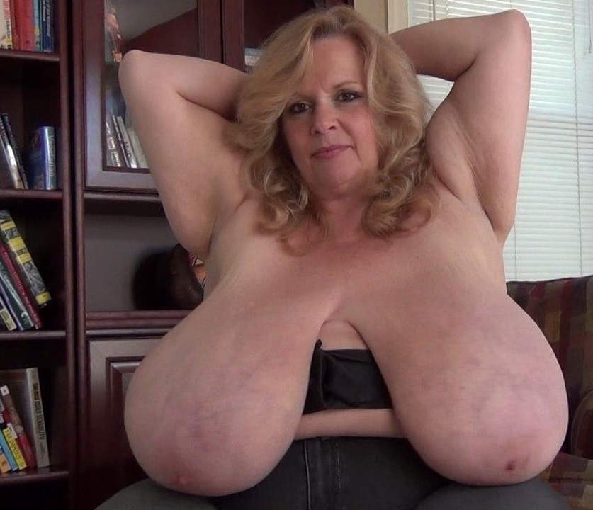 Biggest breasts ever on a 9 month pregnant milf 9