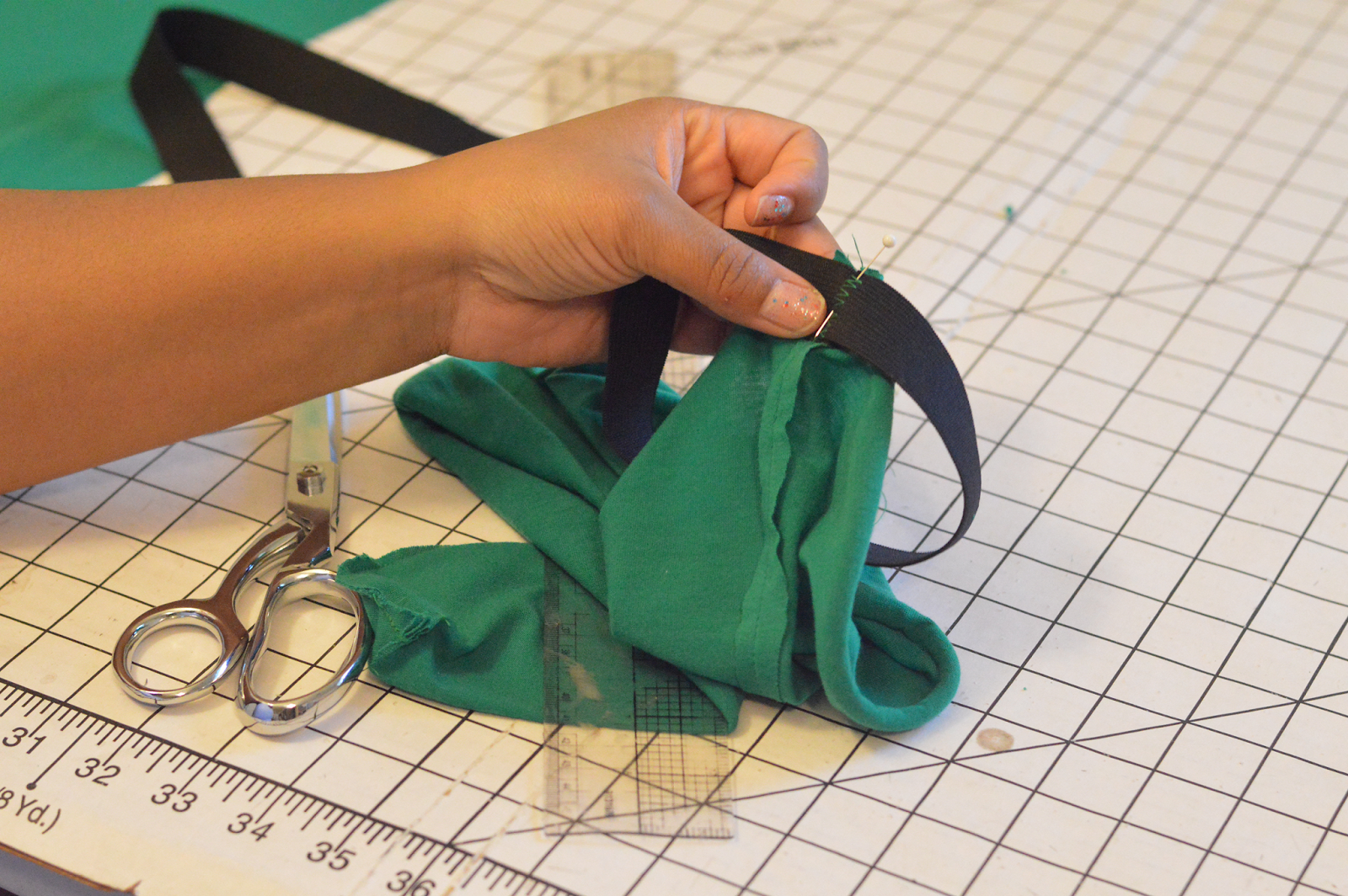 http://www.rhiannasstudio.com/2014/12/how-to-sew-waistband.html