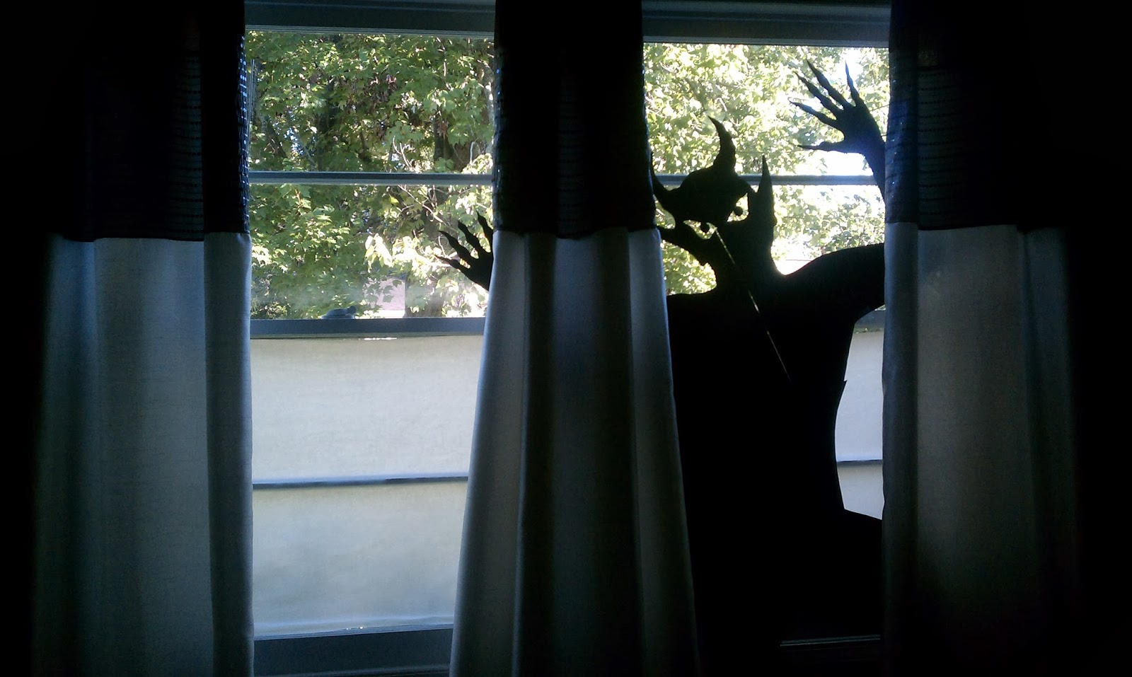 nadia's diy projects: diy halloween window silhouettes