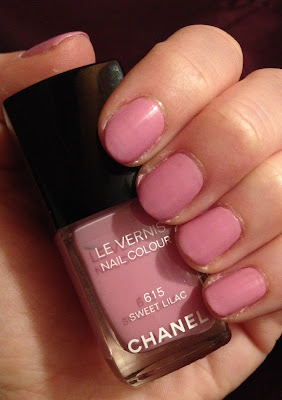Chanel, Chanel Sweet Lilac, Chanel Summer 2014 Collection Reflets D'Ete de Chanel, nail polish, nail lacquer, nail varnish, Chanel Le Vernis Nail Colour, mani, manicure, Mani Monday, #manimonday, swatches