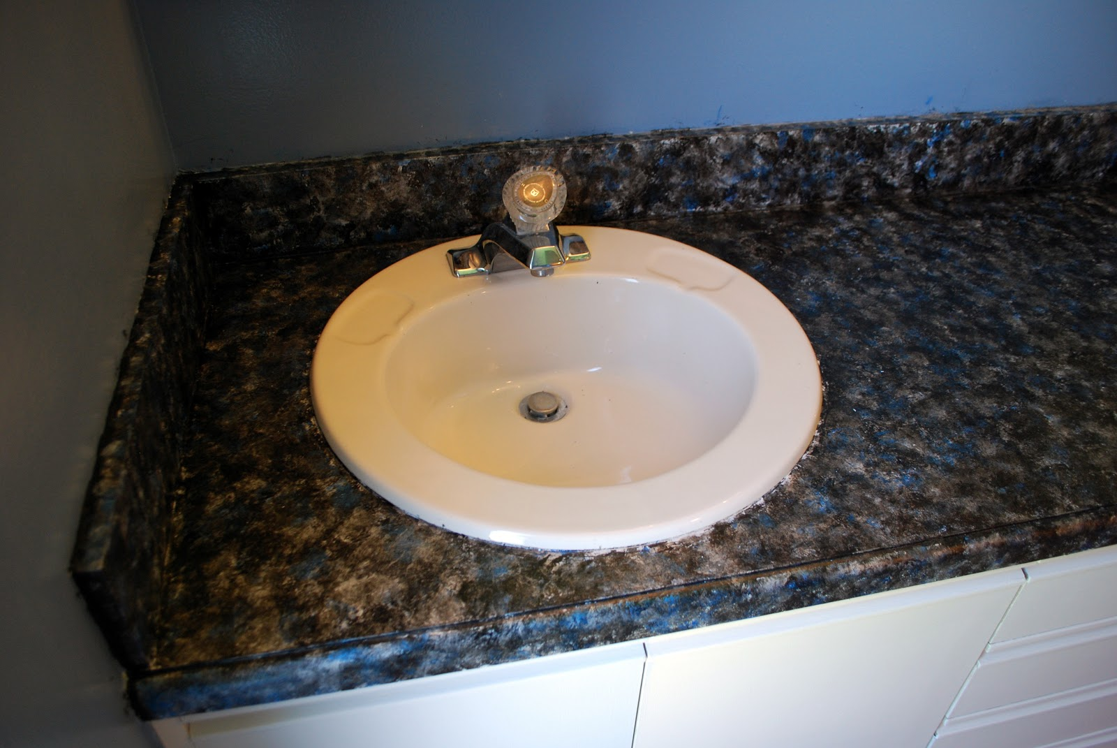 How To Get Countertop Paint Off Skin : ... Tutorial : How to Paint Bathroom Countertops to Look Like Faux Granite