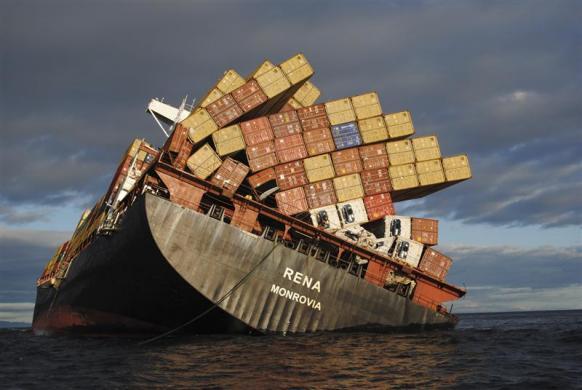 buque carguero hundido