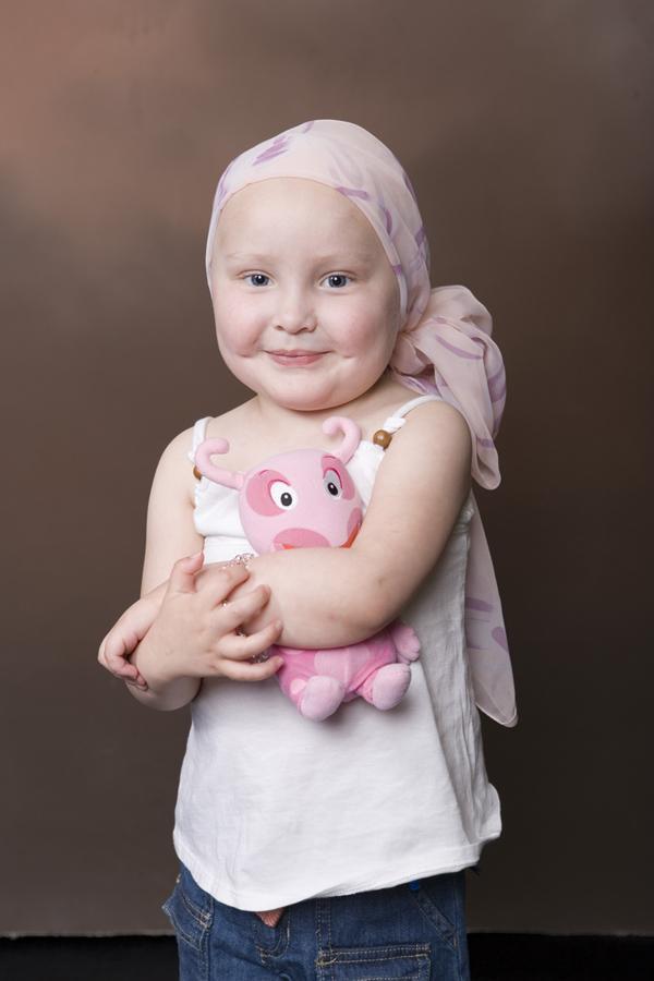 imagenes de ninos con leucemia: